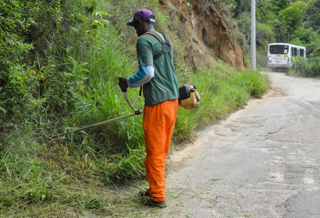 Prefeitura de Teresópolis realiza capina e limpeza de Holliday a Poço dos Peixes