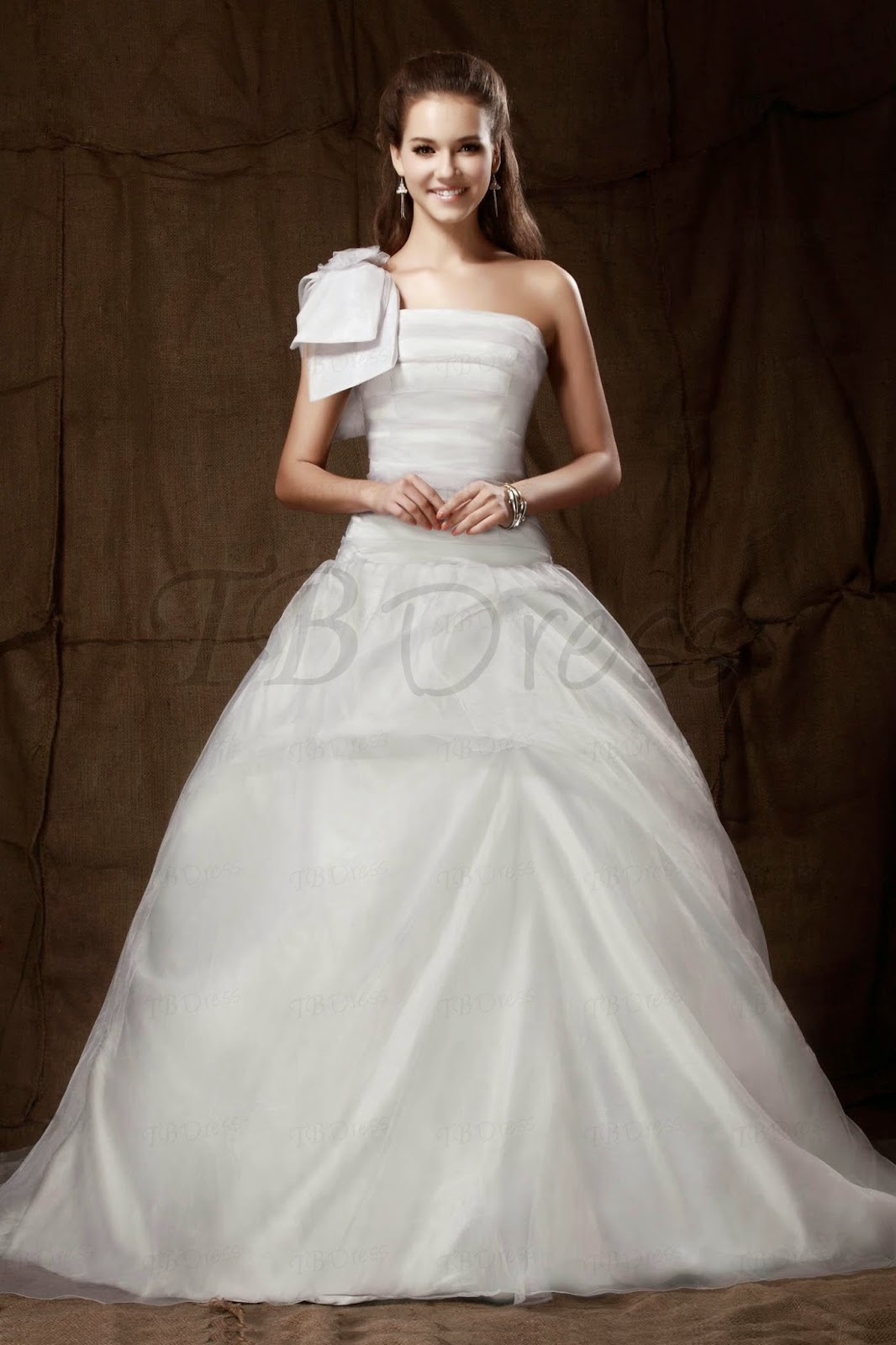 http://www.tbdress.com/product/Noble-A-Line-One-Shoulder-Floor-Length-Sandras-Prom-Ball-Gown-Dress-9673889.html