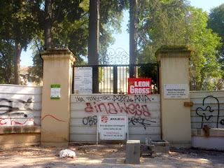 Le parc dans la rue de la République, Montpellier