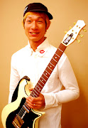 L R F でもギターを弾いてくれます! 柔和な笑顔からは