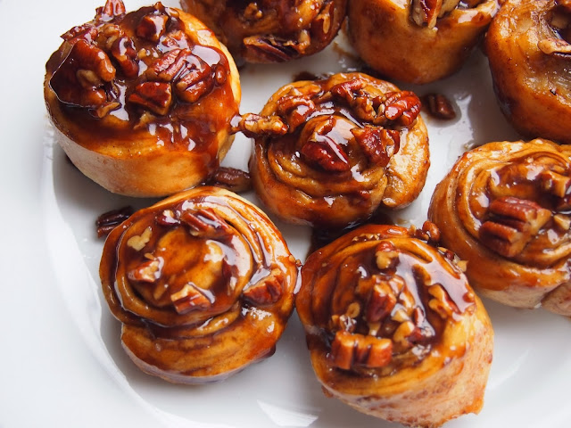 Cooking with Kale: Pecan Sticky Buns