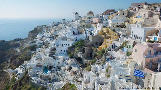 «Oι σύγχρονοι σκλάβοι του ελληνικού τουρισμού» - 7 μήνες χωρίς διακοπή