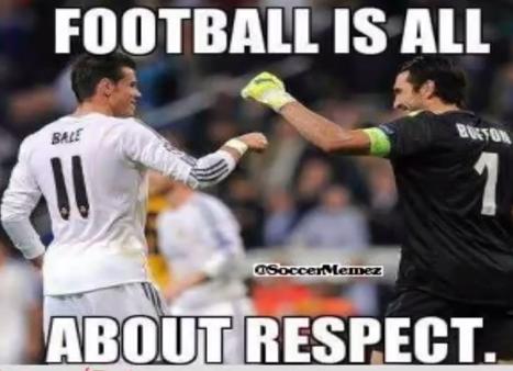 identik dengan olahraga laki laki meskipun ada juga sepak bola untuk