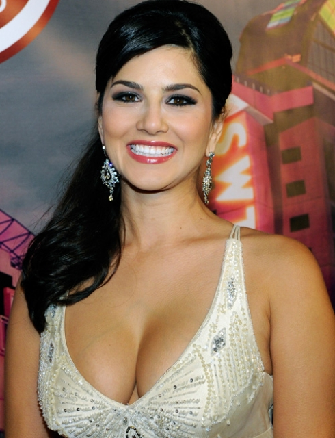 More Related To Sunny Leone Aka Karen Malhotra Hot Images