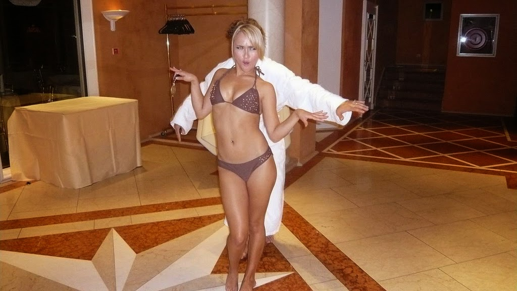 Hayden Panettiere en bikini Les Filles Sexy