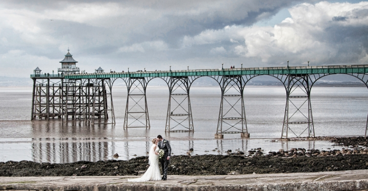 http://bristolweddingphotographer.org.uk/gallery-of-bristol-wedding-photography/