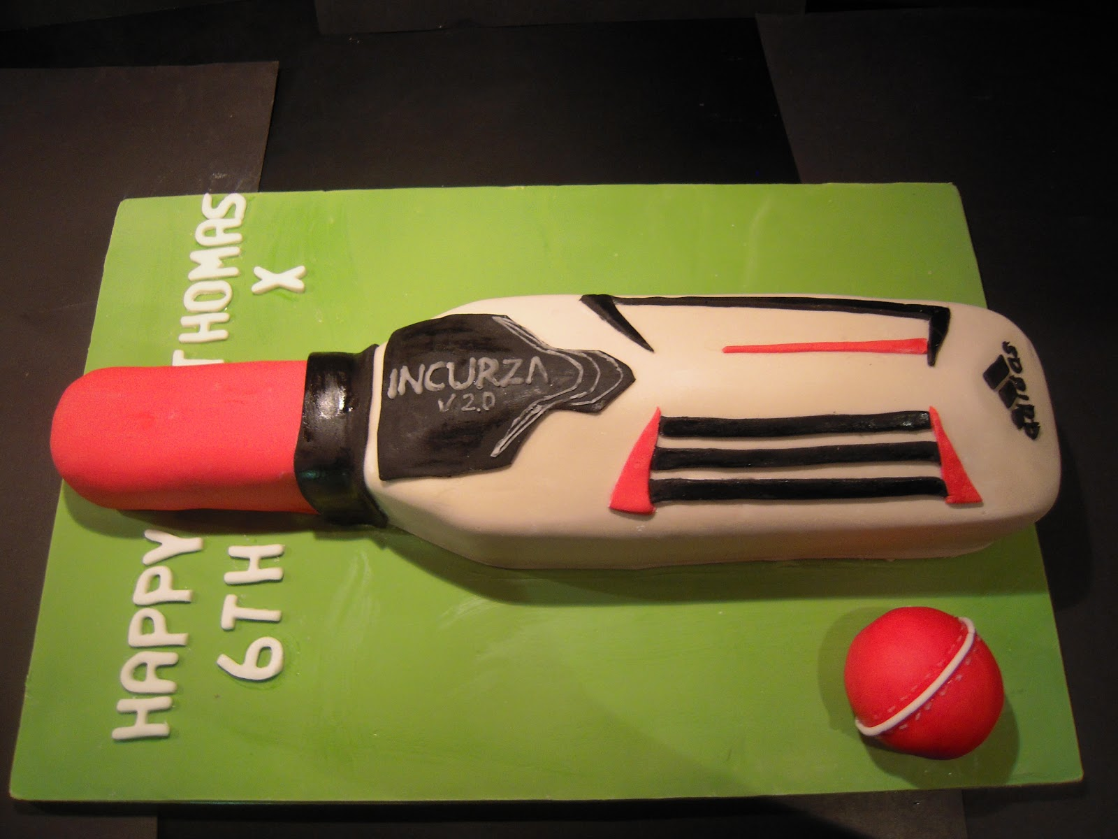 Cricket Bat Cake Images : Eileen Atkinson s Celebration Cakes: Cricket Bat Birthday Cake