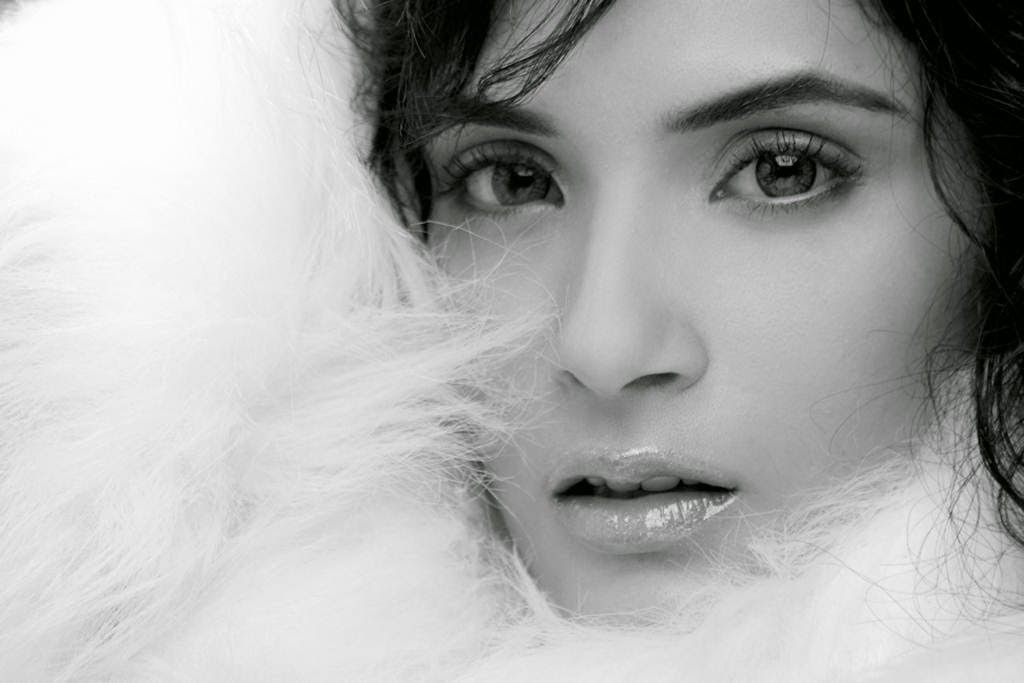 Richa Chadda Hot HD Wallpapers