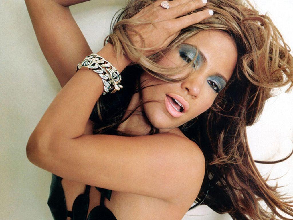 http://1.bp.blogspot.com/-fRPTR6jH5cM/TeYWR3TB-DI/AAAAAAAADzM/uQ04x05uK08/s1600/Jennifer_Lopez_Artistic.jpg
