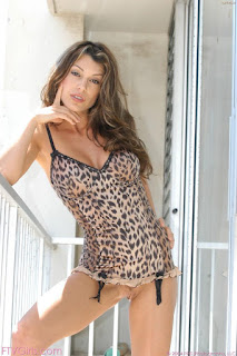 hot mature - sexygirl-isabella7_18-768215.jpg