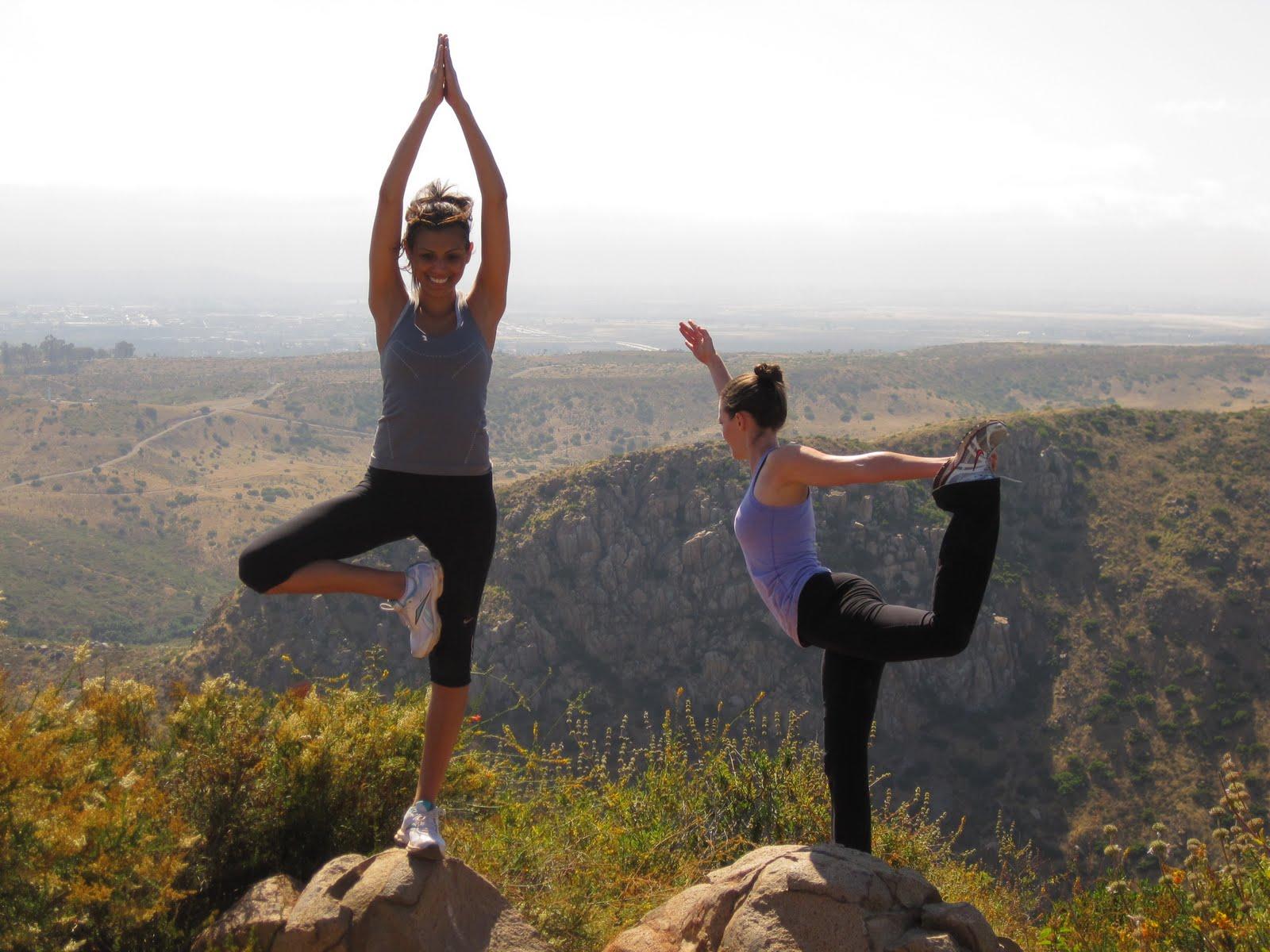 http://1.bp.blogspot.com/-fRTJW5C0xkU/TfYyatja5yI/AAAAAAAAAKo/dKqDgzeiKFw/s1600/yoga.JPG
