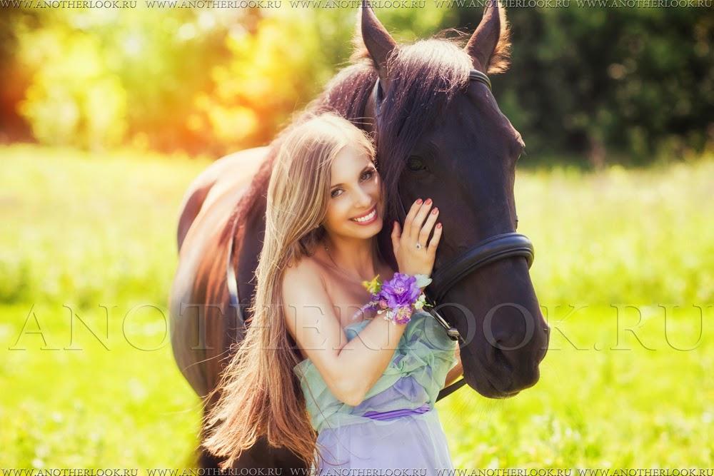 портрет лошадка и девушка