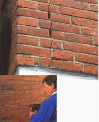 Вид трещин облицовки стен и сверление отверстий