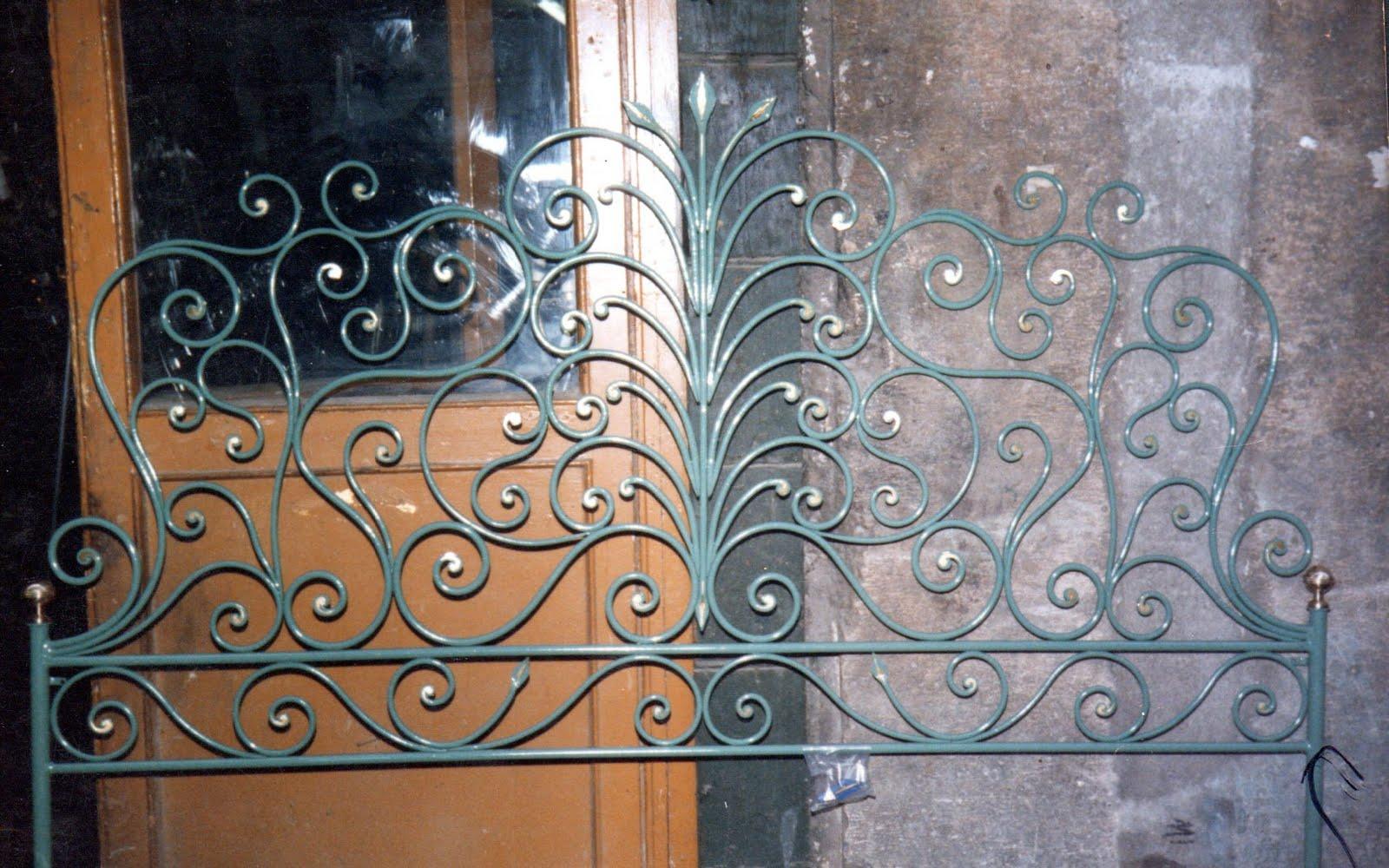 ... Lavori in ferro battuto e restauri in ferro, ottone, ghisa e alpacca
