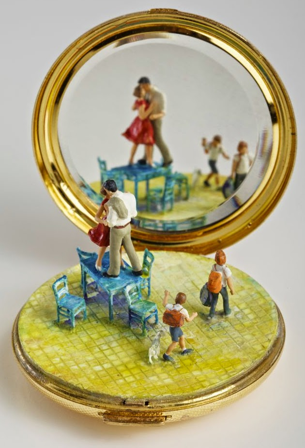04-Kendal-Murray-Surreal-Miniature-Worlds-in-Everyday-Objects-www-designstack-co