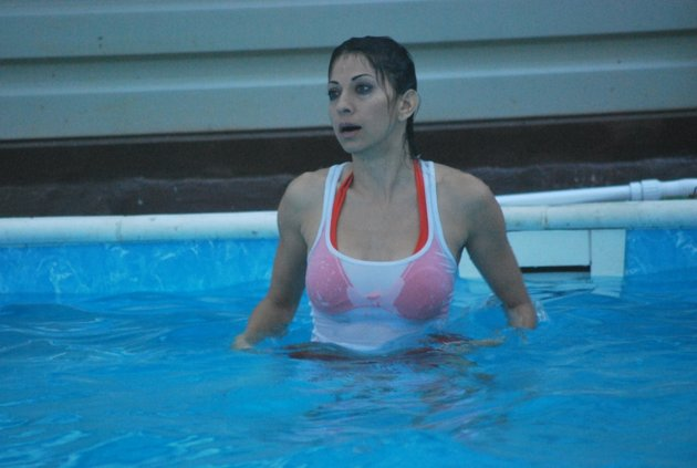 baniyan over bikini on bigg boss actress pics
