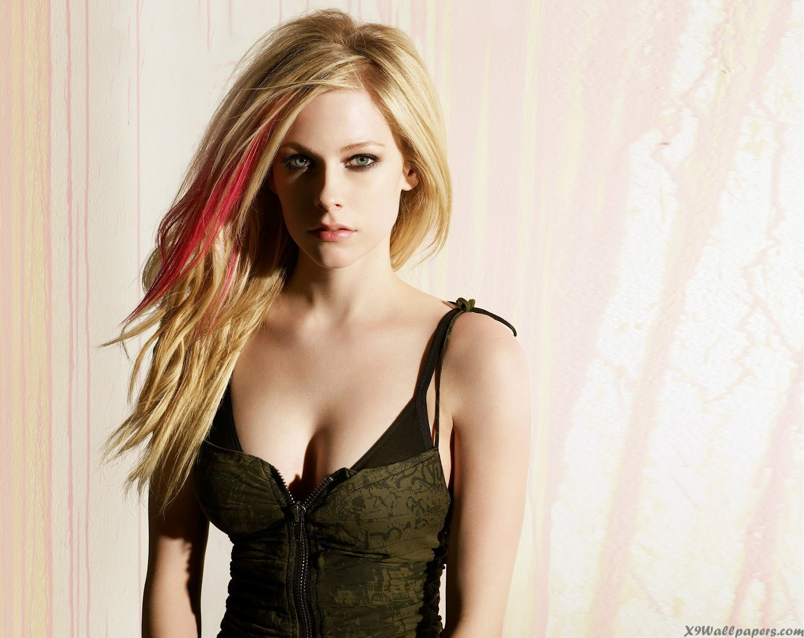 Avril lavigne nude dick, black ass licked