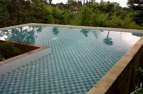 Kolam Renang Villa Seruni Sampay Puncak