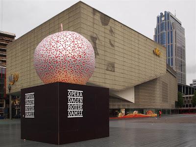 Schouwburgplein en Rotterdam