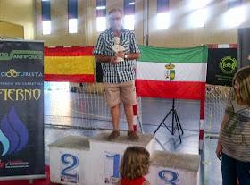 Pepe Anaya, premio al corredor más veterano en Sevilla