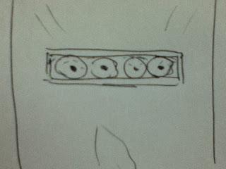 Ojos abiertos a través de la mirilla de la puerta