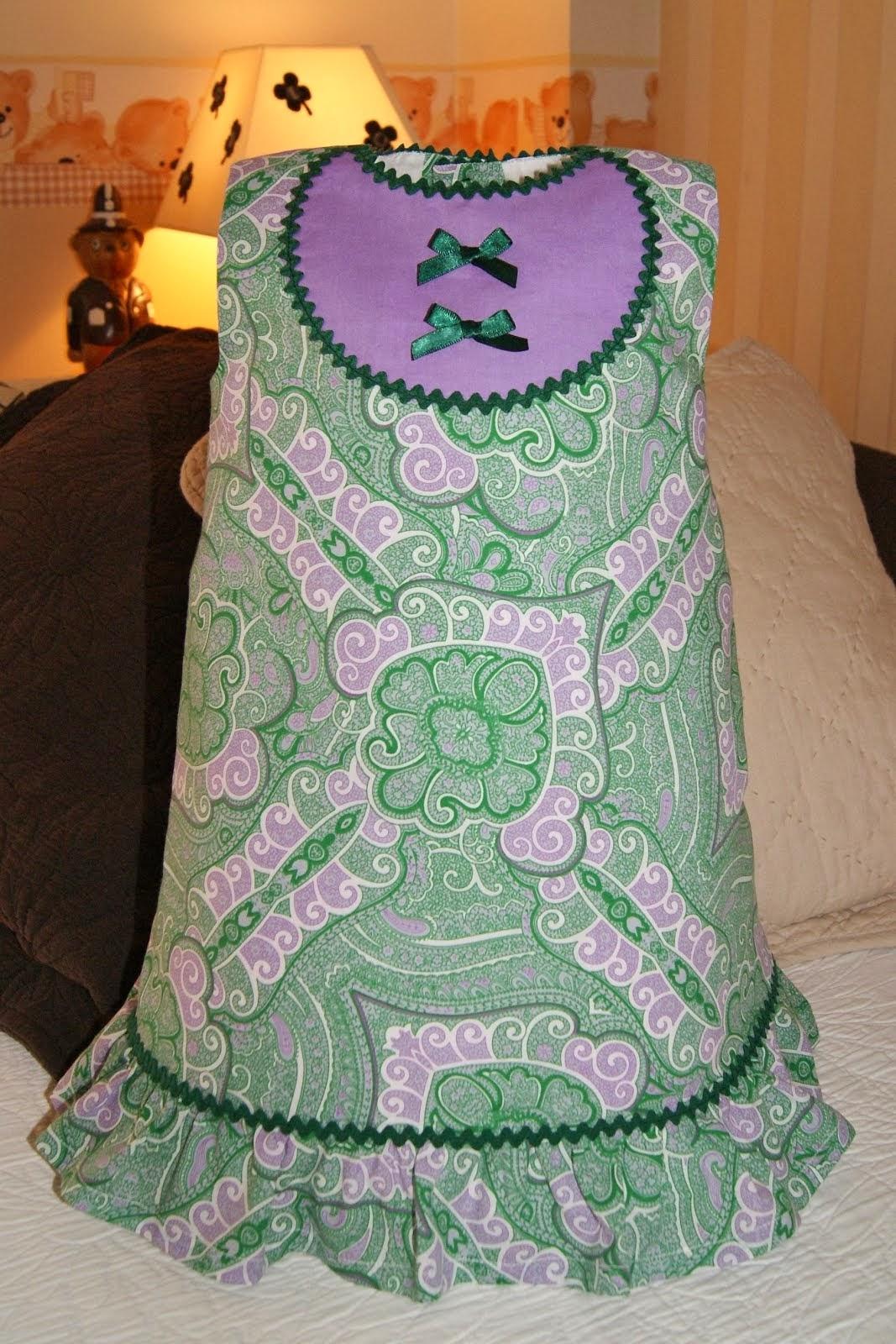 Vestido estampado verde botella y lila