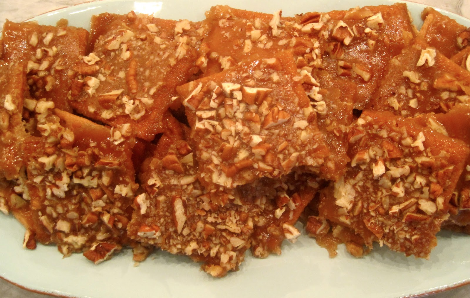 The Wooden Spoon Diaries: Graham Cracker Toffee Bars