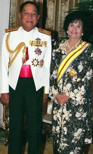 Yang Di Pertuan Agong dan Raja Permaisuri Agong Kesepuluh