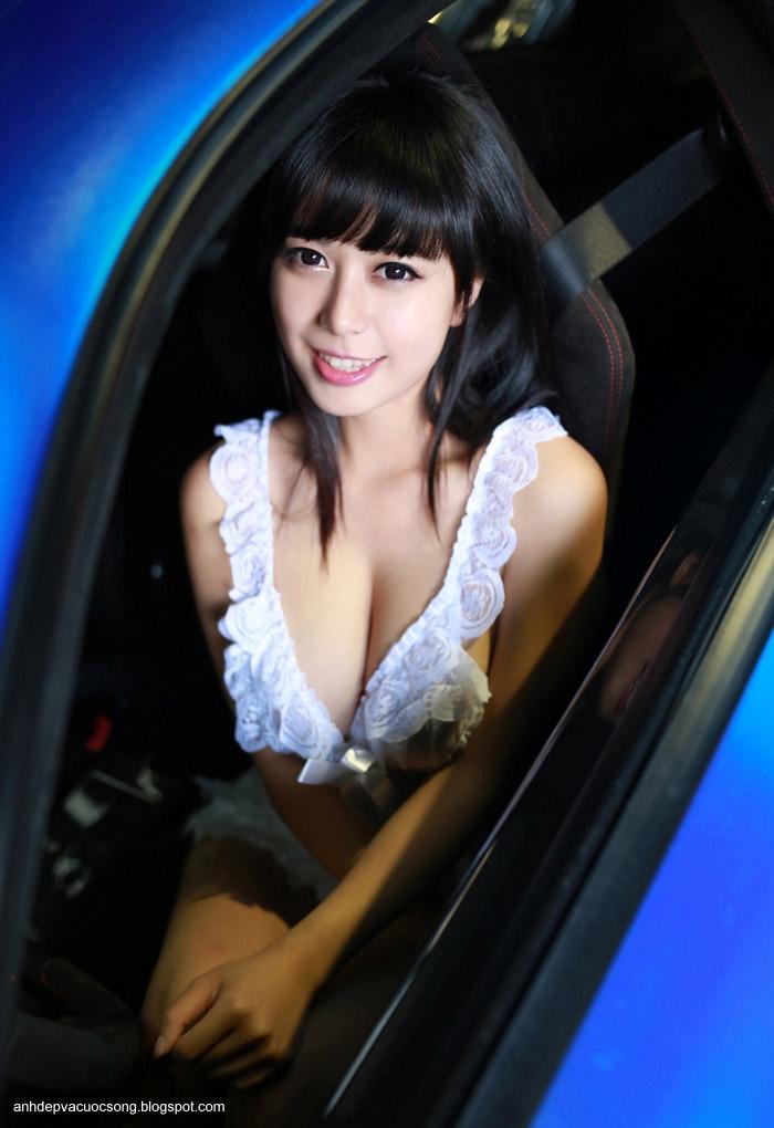 Ảnh người mẫu xe sexy đến từng centimet