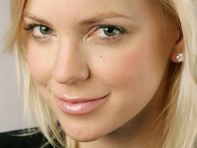 Anna Faris HD Wallpaper Beautiful Eye
