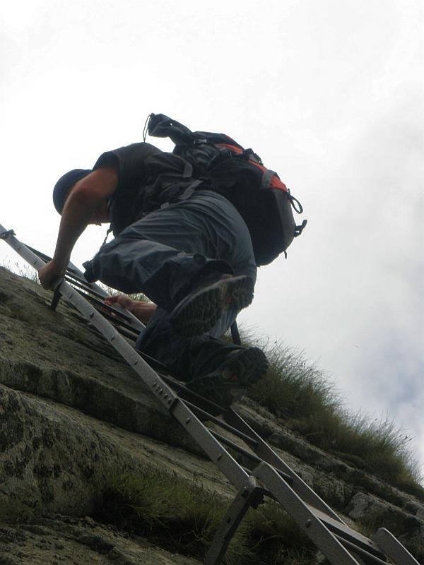Zejście z Zamarłej Turni na Kozią Przełęcz.