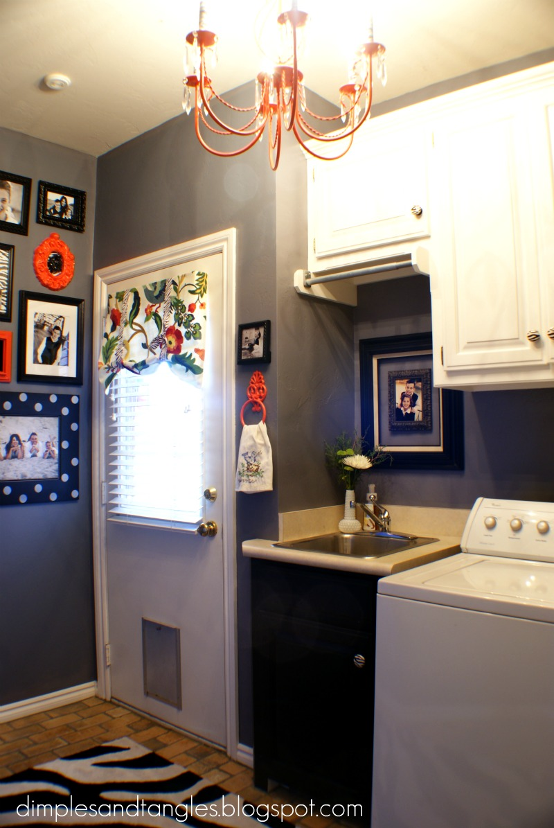 Dimples and Tangles: Now I WANT To Be In My Laundry Room!