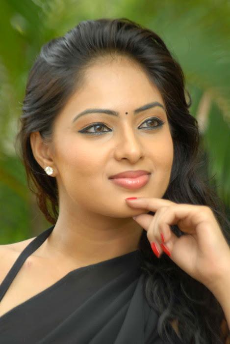 nikesha patel spicy , nikesha patel exposing glamour  images