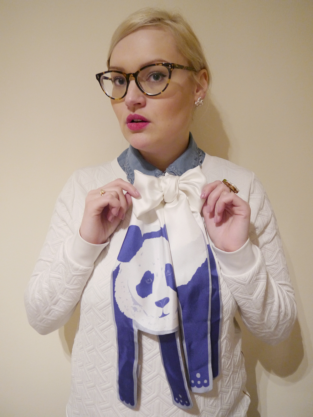 Scarf, scarf styling, scarf addict, easy ways to style a scarf, Scottish bloggers, bow tie, Cleo Ferin Mercury, Panda scarf