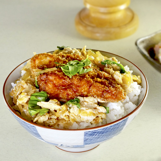 Chicken katsu with rice and basil