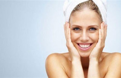 8 نصائح تحفظ لكِ الشباب الدائم  - الاهتمام بالبشرة الجافة الدهنية غسيل الوجه