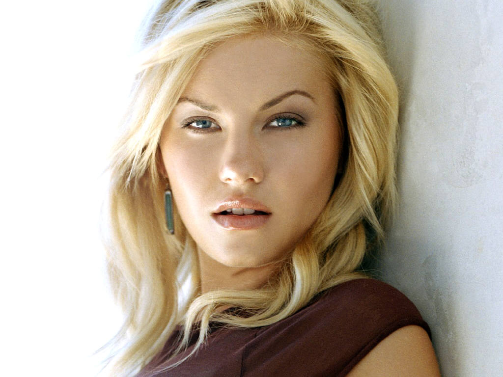 Celebrities, Movies and Games: Elisha Cuthbert Movies - Photo Gallery