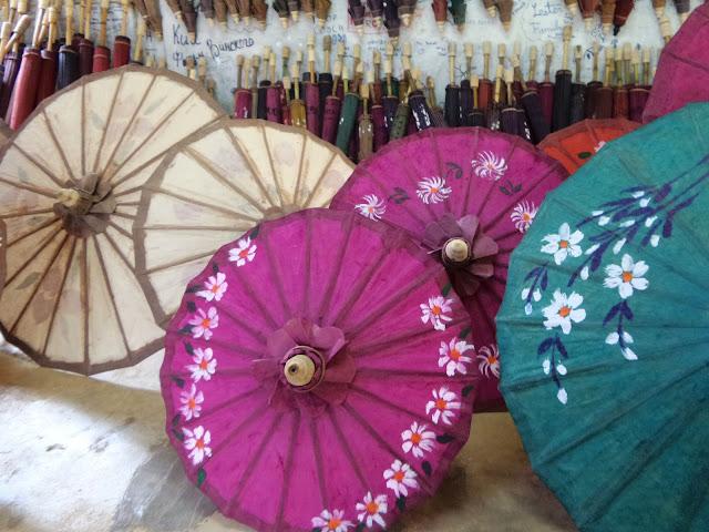 Avventure nel Mondo - Dolce Burma - ombrelli di loto - Pindaya