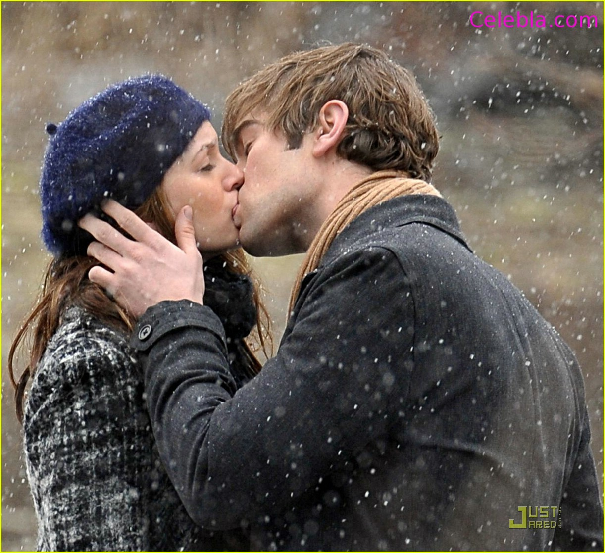 http://1.bp.blogspot.com/-fU8Bgqn0skI/UXrKNP3EygI/AAAAAAAACWU/bONH3T-yFUc/s1600/romantic-couple-kissing-wallpaper.jpg