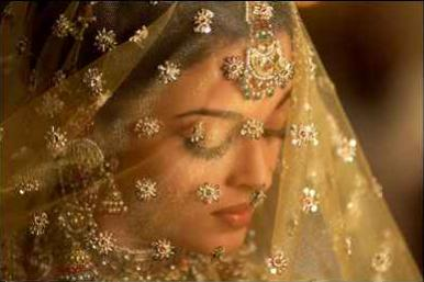 Aishwarya Rai Wedding Saree Designer Shadi Pics Is Sources Of Shadi