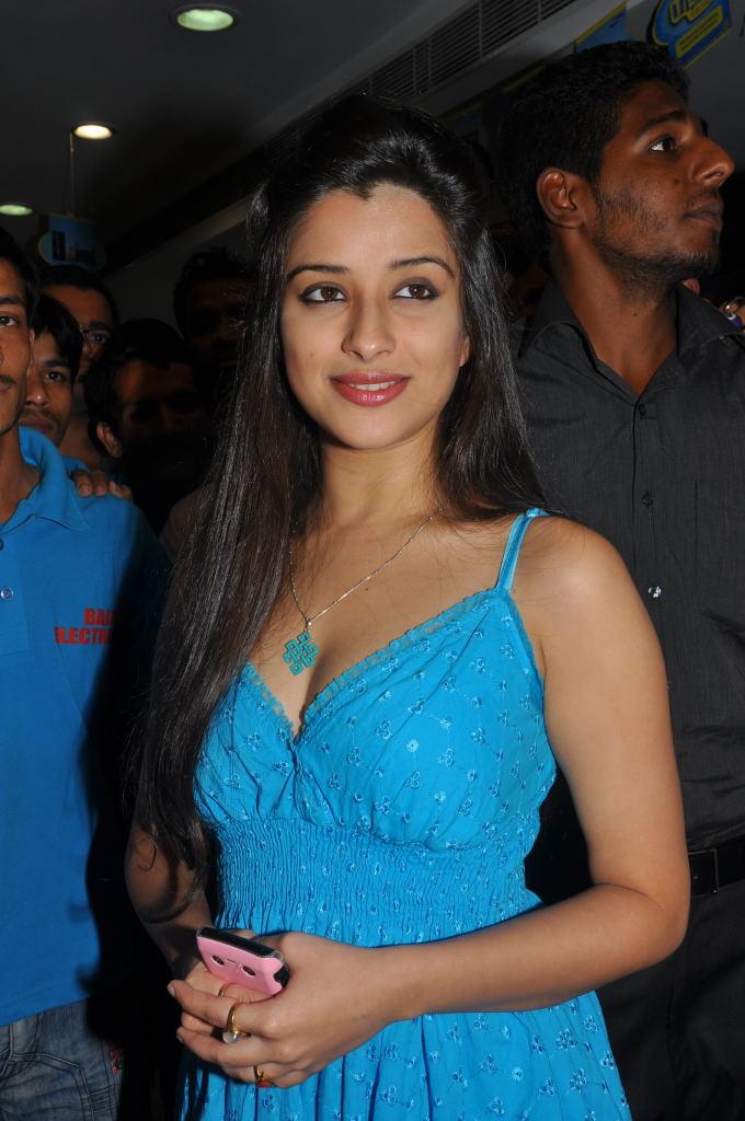 madhurima new , madhurima actress pics