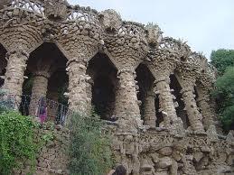 Columnas de GAUDÍ (Barcelona)