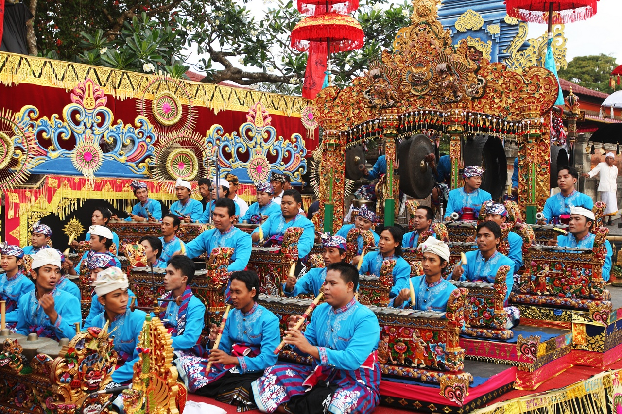 festivals in indonesia Being a diverse country of origins and religions, indonesia has a good mix of cultural events, ceremonies and festivals come and experience the indonesian.