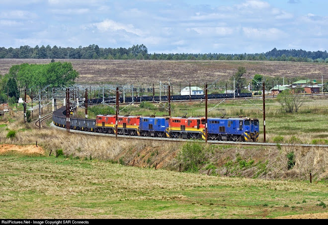 18-017 & CR Wagons (Empties)