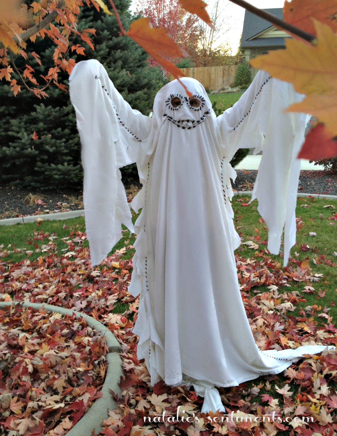 Pretty much the coolest ghost costume Iu0027ve ever seen. & natalieu0027s sentiments: 100% Dad-Made Costume Reveal!