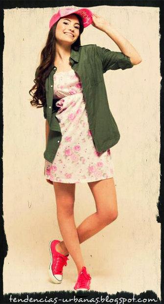 vestido corto de estampado floral estilo juvenil