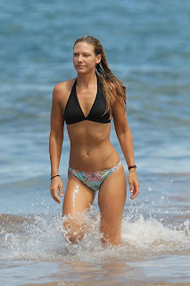 Anna Torv hot wearing swimsuit In Hawaii