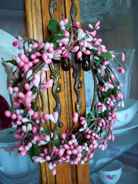 A little pink berry wreath