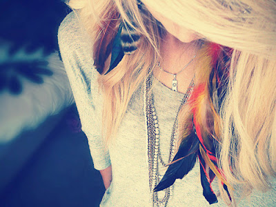 Blonde plume