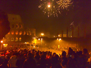 People gather in squares all over Italy to celebrate the arrival of the new year.